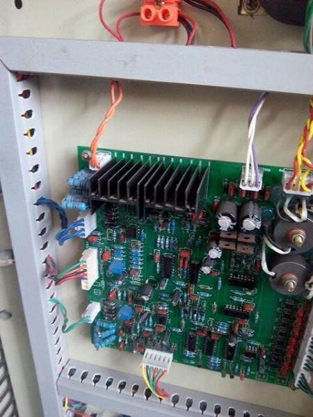 中频炉电源柜的开关选择小技巧 1