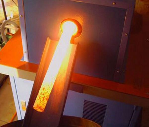 山东潍坊工业区中频透热炉轧制加工大型圆棒料 2