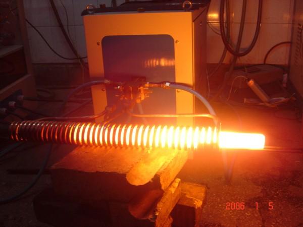 安阳客户120kw中频炉透热U型螺栓